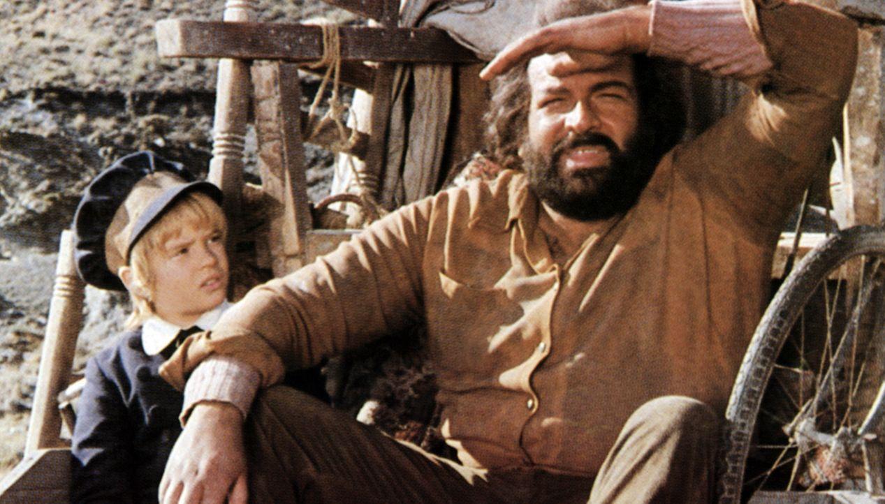 Coburn (Bud Spencer, r.) hat dem im Sterben liegenden Onkel von Chip (Renato Cestie, l.) versprochen, auf den Kleinen aufzupassen und ihn wohlbehalt...