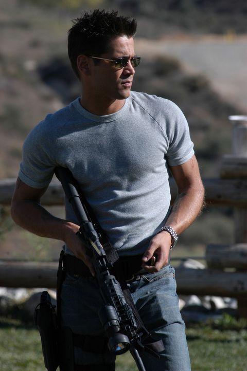 Bekommt eine zweite Chance als Cop des legendären S.W.A.T.-Teams von Los Angeles: Street (Colin Farrell) ... - Bildquelle: 2004 Sony Pictures Television International. All Rights Reserved.