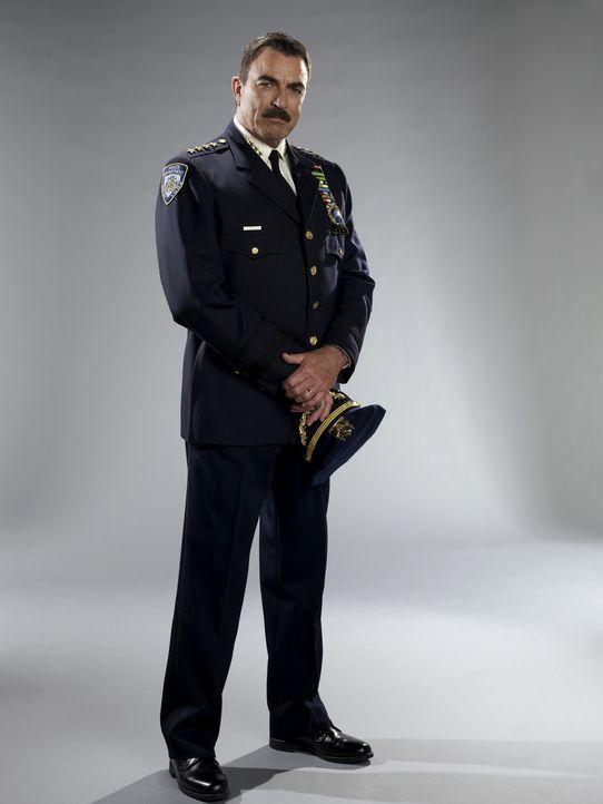 (1. Staffel) - Frank (Tom Selleck) muss feststellen, dass Korruption auch innerhalb der New Yorker Polizei keine Seltenheit ist ... - Bildquelle: 2010 CBS Broadcasting Inc. All Rights Reserved