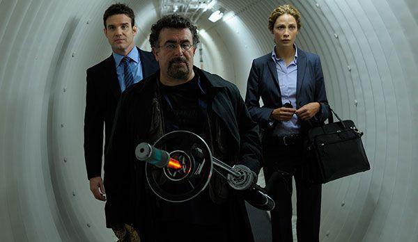 """Platz 6: Warehouse 13 - Bildquelle: """"Warehouse 13 - Season 1+2"""" auf DVD erhältlich (Universal Pictures)"""