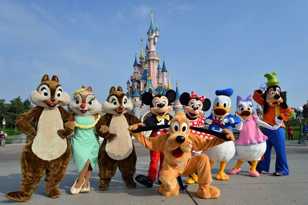 Mickey Mouse, Donald Duck, Pluto und Co.: Das Disneyland Paris (Foto) gehört zu den beliebtesten Freizeitparks Europas. Doch wer ist die Nummer 1? - Bildquelle: Disney