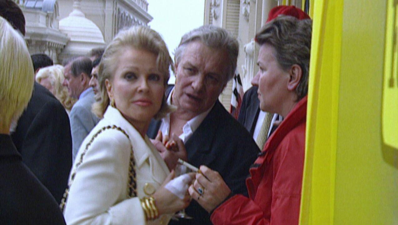 Der Autokönig Helmut Becker (M.) war dick im Geschäft und versorgte die Reichen und Berühmten des Landes mit Luxussportwagen - doch im Jahre 2002 mu... - Bildquelle: kabel eins