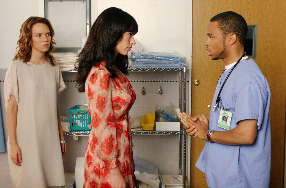 Derrik Lee (Eugene Byrd, r.) ist etwas verwirrt, als Melinda (Jennifer Love Hewitt, M.) ihn bittet, sie mit Hope (Erica Leerhsen, l.) allein zu lass... - Bildquelle: ABC Studios