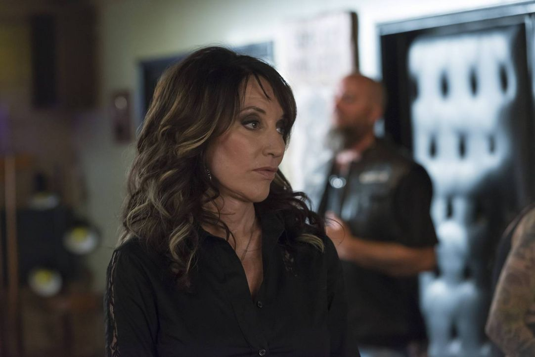Während Jax den Deal mit der IRA vorbereitet, stattet Gemma (Katey Sagal) seiner Exfreundin Wendy einen folgenschweren Besuch ab ... - Bildquelle: 2013 Twentieth Century Fox Film Corporation and Bluebush Productions, LLC. All rights reserved.