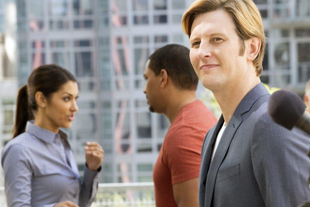 Ist der Businesspartner des ermordeten Jack, Shane (Gabriel Mann, r.), der Täter? Meredith (Janina Gavankar, l.) und Billy (Laz Alonso, M.) gehen de... - Bildquelle: 2015 Warner Bros. Entertainment, Inc.