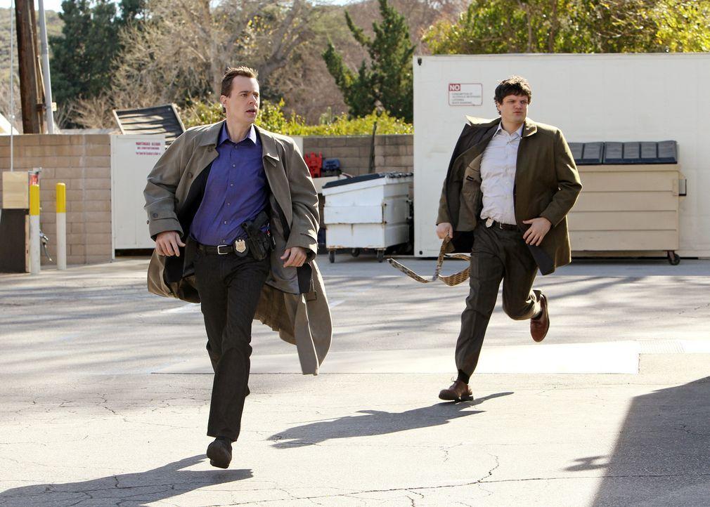 Bei den Ermittlungen in einem neuen Fall: McGee (Sean Murray, l.) und Ned Dorneget (Matt Jones, r.) ... - Bildquelle: CBS International Television (ehem: Paramount Pictures International)