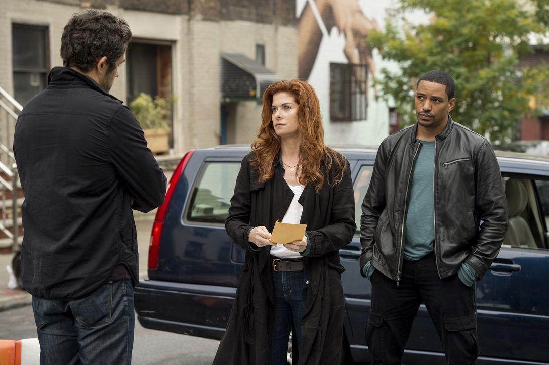 Als eine Leiche gefunden wird, müssen Laura (Debra Messing, M.) und Billy (Laz Alonso, r.) ermitteln, um den Mörder zu fassen. Doch was hat auf Tony... - Bildquelle: Warner Bros. Entertainment, Inc.
