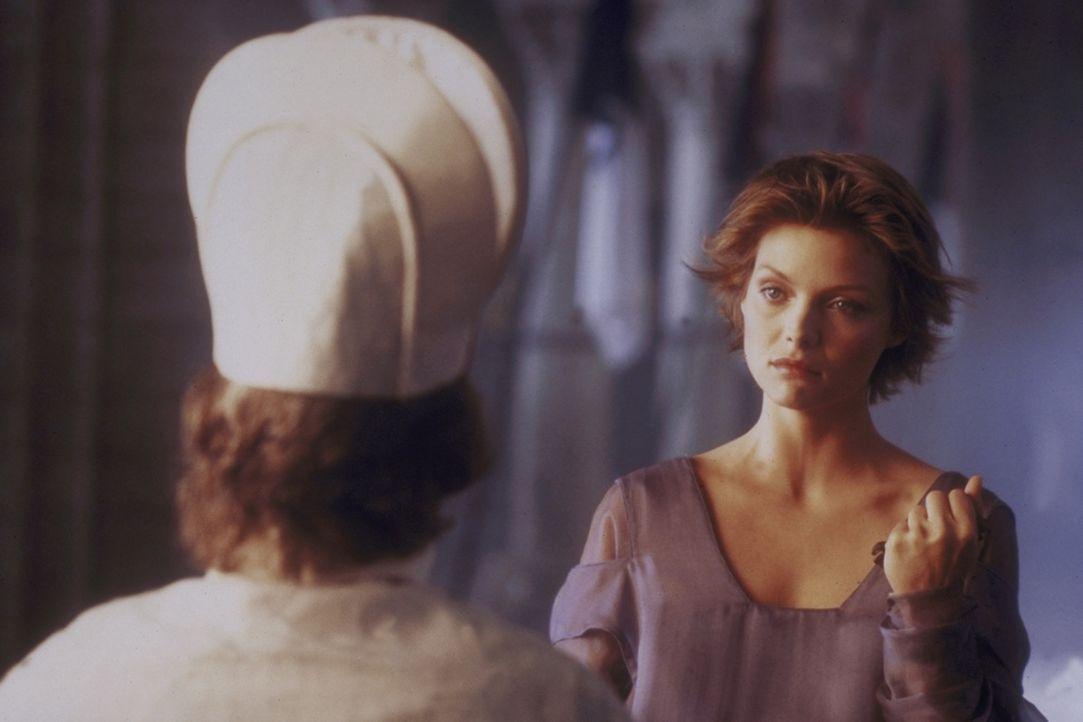 Nur in der Nacht kann die schöne Isabeau (Michelle Pfeiffer) ihre wahre Gestalt annehmen ... - Bildquelle: 20TH CENTURY FOX FILM CORP. INC