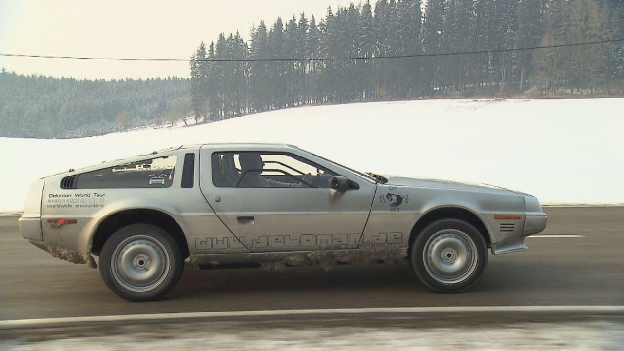 Zurück in die Zukunft! Abenteuer Auto widmet sich einem der kultigsten Autos der Filmgeschichte, dem DeLorean DMC 12! - Bildquelle: kabel eins