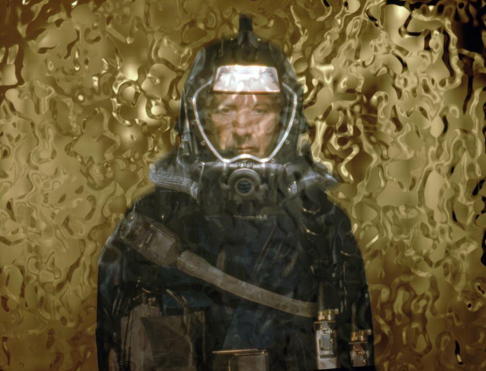 Trügerisch-schön: Dr. Norman Goodman (Dustin Hoffman) steht vor dem goldenen Artefakt, das die Crew auf dem mysteriösen Raumschiff entdeckt ... - Bildquelle: Warner Bros. Pictures