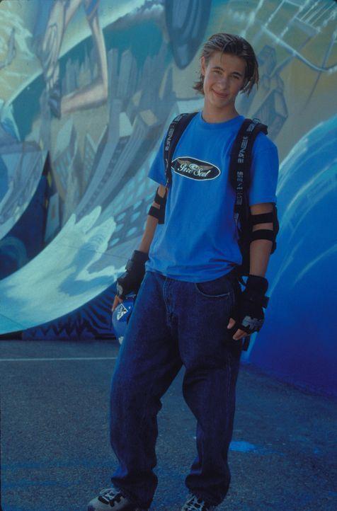 Als seine Familie in finanzielle Schwierigkeiten gerät, fasst der Inline-Skater Brink (Erik von Detten) den Entschluss, doch ins Profiteam zu wechs... - Bildquelle: Disney