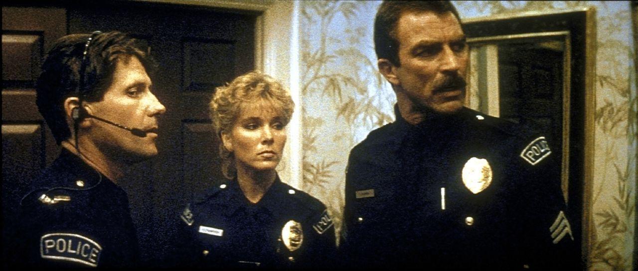 Jack Ramsay (Tom Selleck, r.), Karen (Cynthia Rhodes, M.) und Marvin (Stan Shaw, l.) ermitteln in einem teuflischen Fall: Ein Wahnsinniger programmi... - Bildquelle: TriStar Pictures