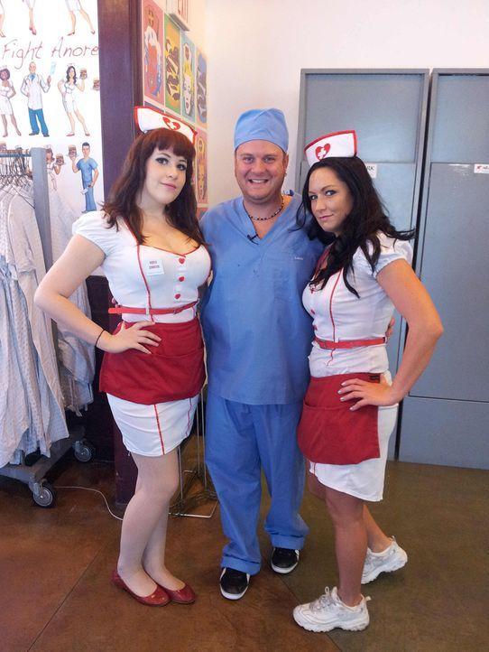 """Der """"Heart Attack Grill"""" in der legendären Fremont Street in Las Vegas gehört zu den skurrilsten Burger-Läden der Welt. Weibliche Bedienungen sin... - Bildquelle: kabel eins"""