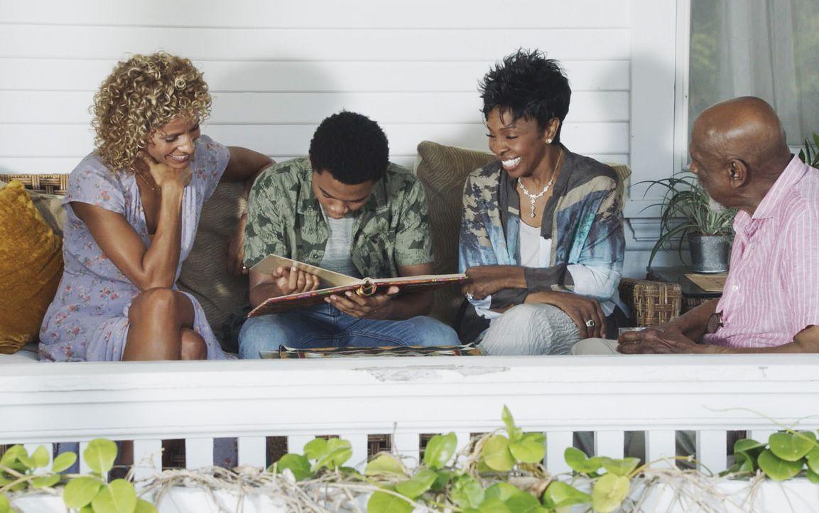 (v.l.n.r.) Renee Grover (Michelle Hurd); Will Grover (Chosen Jacobs); Lous Mutter (Gladys Knight); Lous Vater (Louis Gossett Jr.) - Bildquelle: 2018 CBS Broadcasting, Inc. All Rights Reserved.