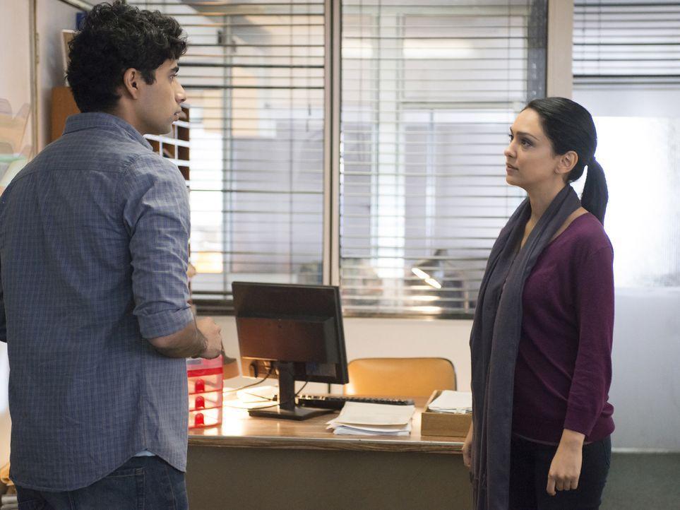 Bei den Beschattungen von Aayan Ibrahim (Suraj Sharma, l.) stößt Fara (Nazanin Boniadi, r.) auf ein überraschendes Geheimnis von ihm ... - Bildquelle: 2014 Twentieth Century Fox Film Corporation