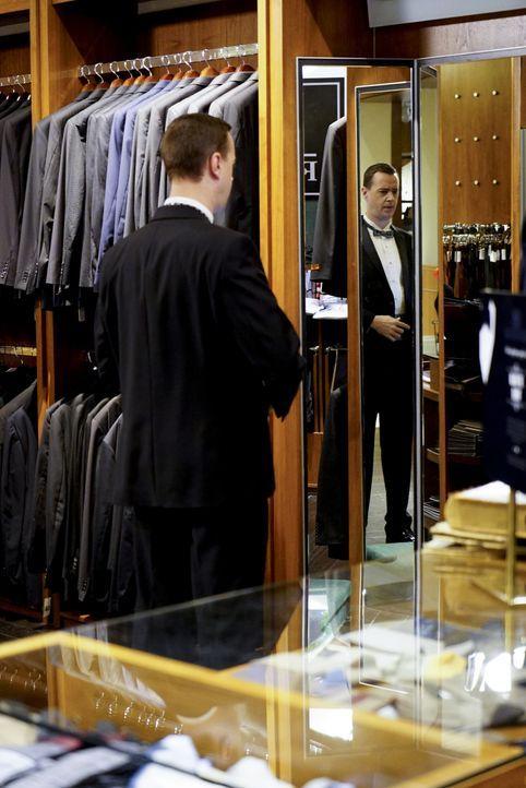 Während McGee (Sean Murray) auf der Suche nach dem perfekten Anzug für die Hochzeit ist, ahnt er nicht, dass seiner Zukünftigen der Hochzeitsstress... - Bildquelle: 2017 CBS Broadcasting, Inc. All Rights Reserved.