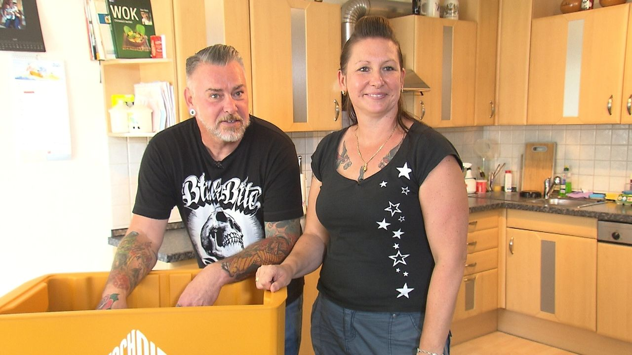Hans und Verena kochen am liebsten zusammen, nur kein Lammfleisch. Doch genau das ist in der Box - wie wird das Rocker-Pärchen mit dieser Herausford... - Bildquelle: kabel eins