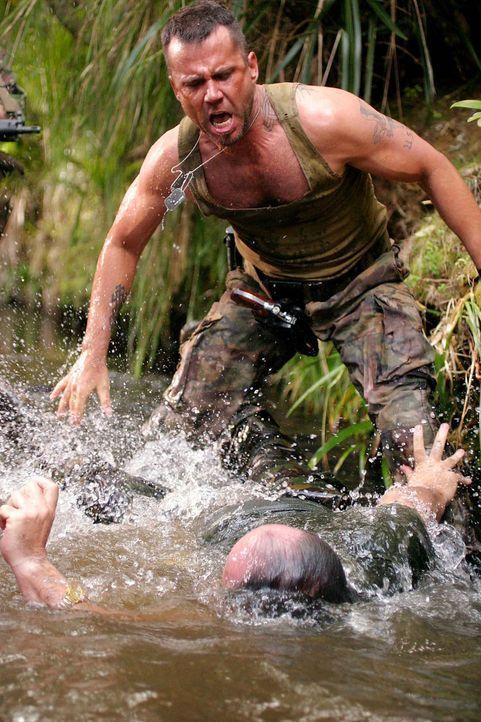 Armstrong (David Millbern) kennt keine Gnade ... - Bildquelle: Regent Entertainment