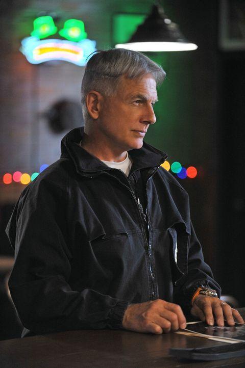 Ermittelt in einem neuen Fall: Gibbs (Mark Harmon) ... - Bildquelle: CBS Television