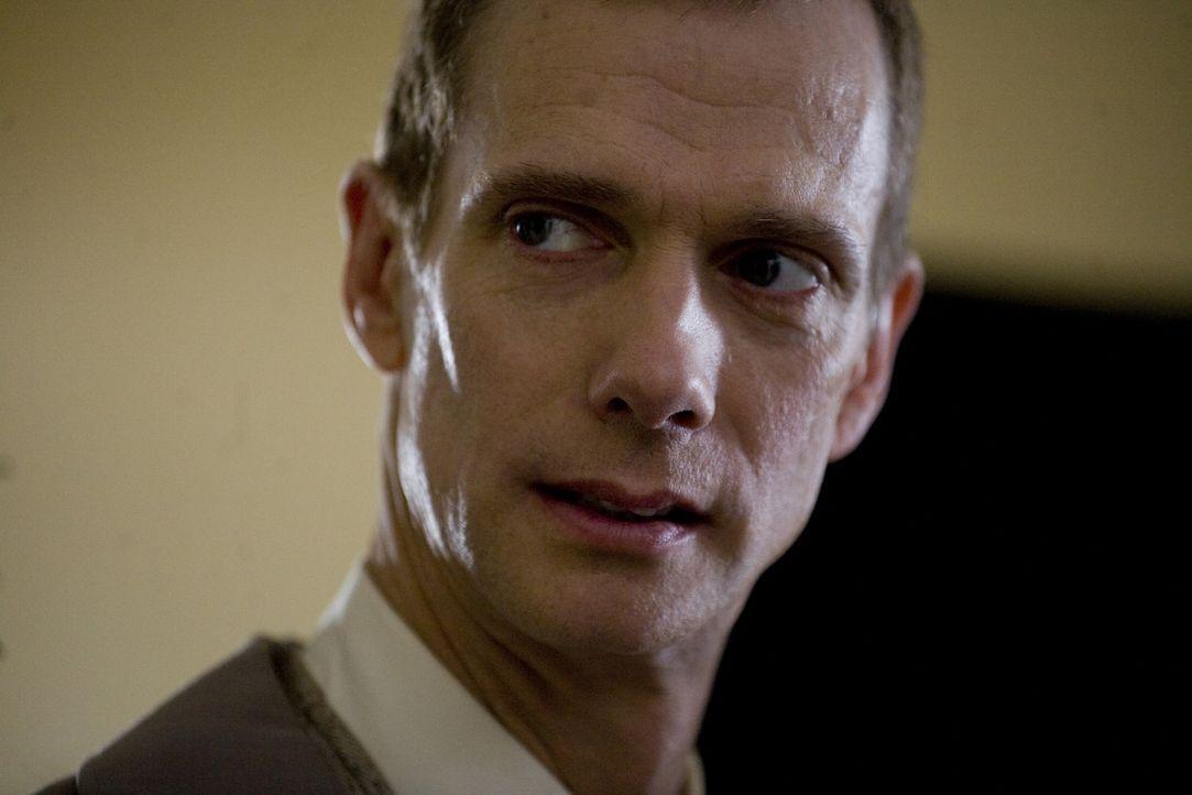 Arbeitet schon lange für die Unterwelt: Doktor Ranklin (Doug Jones) ... - Bildquelle: 2009 Colton Productions, Inc. All Rights Reserved.