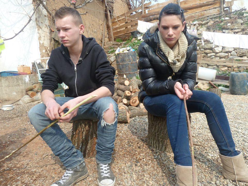 Werden David (l.) und Angelina (r.) verstehen lernen, dass Respekt, Disziplin und Zusammenhalt das Geheimnis zu einem friedlichen Zusammenleben sind? - Bildquelle: kabel eins