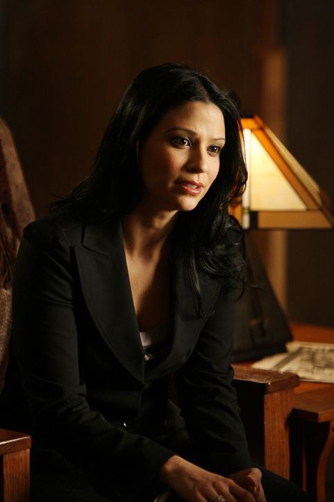 Ist Charlie bei seinen Ermittlungen, einen Serientäter zu überführen, behilflich: Amita (Navi Rawat) ... - Bildquelle: Paramount Network Television