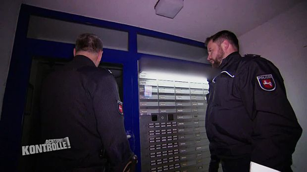 Achtung Kontrolle - Achtung Kontrolle! - Thema U.a.: Drei Einsätze In Einer Nacht Im Problemhochhaus Celle