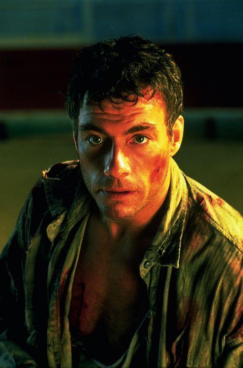 Sehnt sich nach einem ruhigen Leben an der französischen Küste: Jack Quinn (Jean-Claude van Damme). Doch noch ist sein Einsatz dringend erforderlich... - Bildquelle: Columbia TriStar