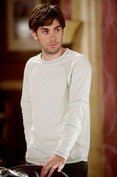 Chris (Drew Fuller) wird von einem giftigen Pfeil getroffen - kann man ihn noch retten? - Bildquelle: Paramount Pictures.