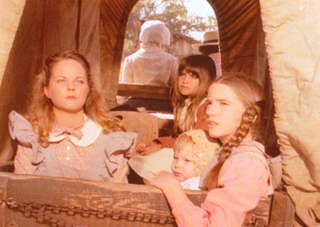 Laura (Melissa Gilbert, r.) und Carry (Lindsay Sidney Greenbush, M.) können es kaum mehr erwarten, endlich auszusteigen. Sie versuchen ihrer blinde... - Bildquelle: Worldvision