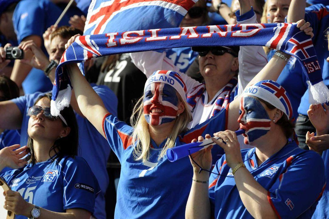 Fußball-Fan-Island-150608-AFP - Bildquelle: AFP