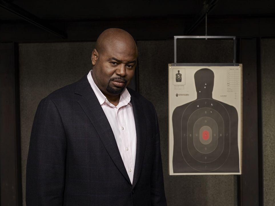 (1. Staffel) - Unterstützt Christopher Chance bei seinen Aufträgen: Winston (Chi McBride) ... - Bildquelle: Warner Brothers