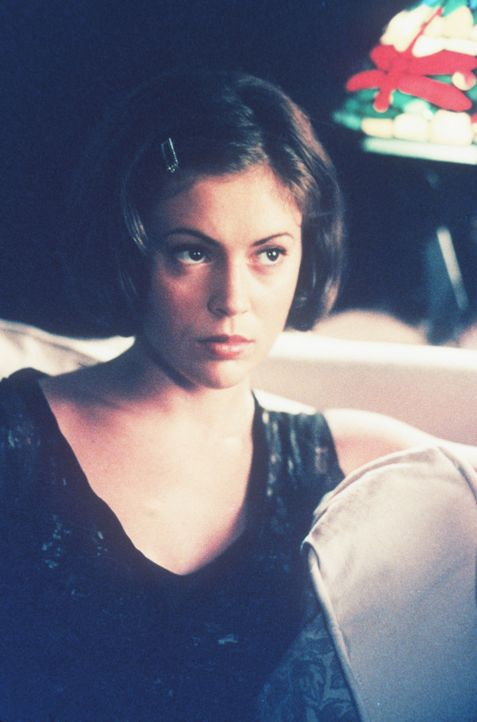 Als alles überstanden ist und Phoebe (Alyssa Milano) sich schon auf ein Leben mit ihrem Vater freut, verschwindet Victor ebenso schnell, wie er gek... - Bildquelle: Paramount Pictures