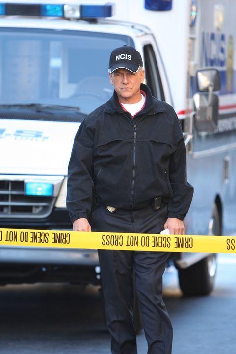 Special Agent Patterson, ein Kollege von Gibbs (Mark Harmon), wird erschossen vorgefunden. Zuvor hatte dieser ein Gemälde an Abby geschickt, die sic... - Bildquelle: CBS Television