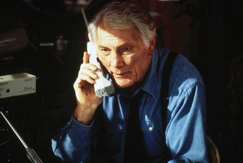 Lange schon ist die Polizei hinter dem Verbrecher Osborn her. Um ihn überführen zu können, müssen Detective Jake Stone (Jack Palance) und sein P... - Bildquelle: Sony Pictures Television International. All Rights Reserved.