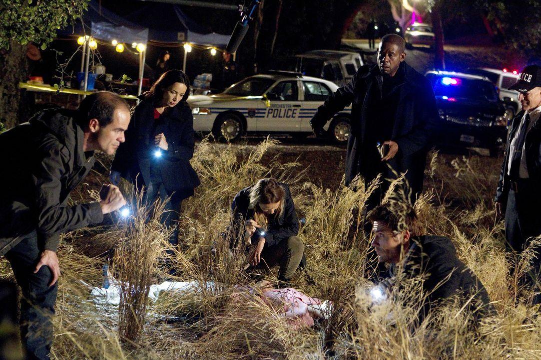 Als in Manchester, New Hampshire, zwei Frauen getötet, aber ordentlich hergerichtet, gefunden wurden, beginnt das Team mit den Ermittlungen: John (M... - Bildquelle: ABC Studios