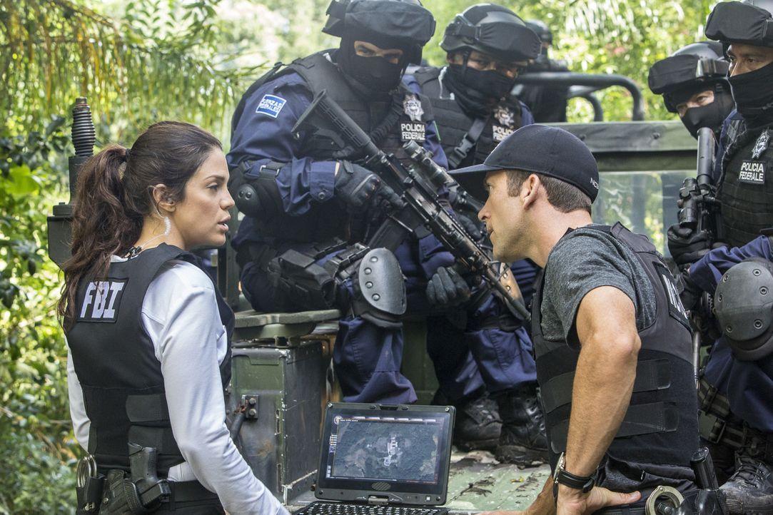 Werden Gregorio (Vanessa Ferlito, l.) und LaSalle (Lucas Black, r.) den gekidnappten Unteroffizier, der das letzte Mal in Mexico gesehen wurde, noch... - Bildquelle: Skip Bolen 2016 CBS Broadcasting, Inc. All Rights Reserved