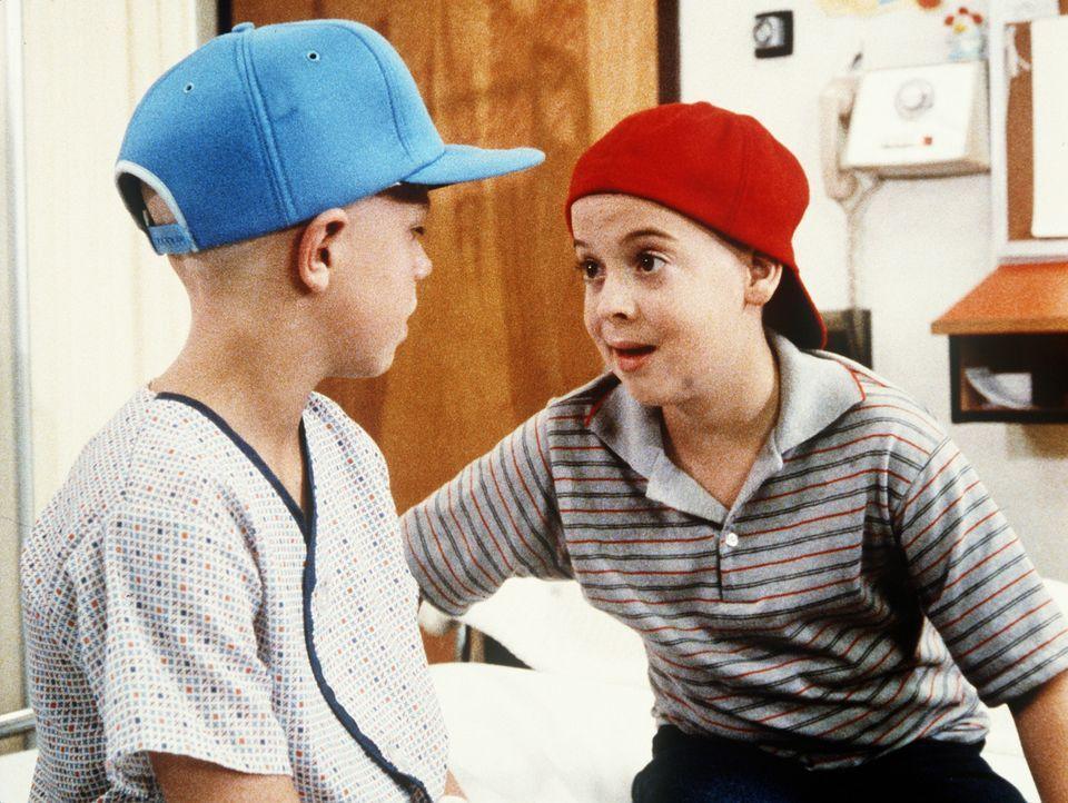 Jason (Joshua Miller, r.) und Curtis (Vonni Ribisi, r.) schließen Freundschaft. - Bildquelle: 20th Century Fox Television
