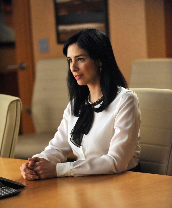 Stephanie Engler (Sarah Silverman), die Betreiberin einer Website für Leute, die Sex außerhalb der Ehe suchen, steht vor Gericht, da ein Mann, der... - Bildquelle: CBS Broadcasting Inc. All Rights Reserved