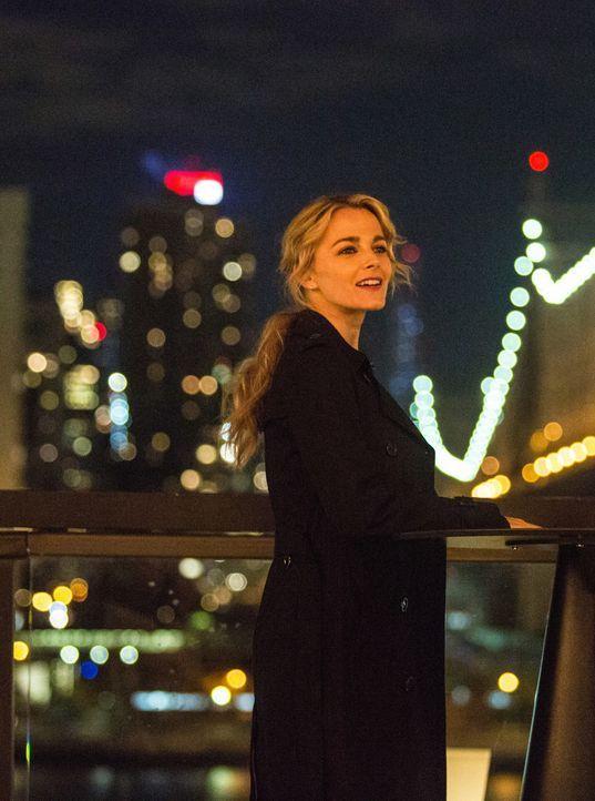 Det. Lizzie Needham (Bojana Novakovic) ist dem Mörder dicht auf den Fersen ... - Bildquelle: Francisco Roman 2018 CBS BROADCASTING INC. ALL RIGHTS RESERVED. / Francisco Roman