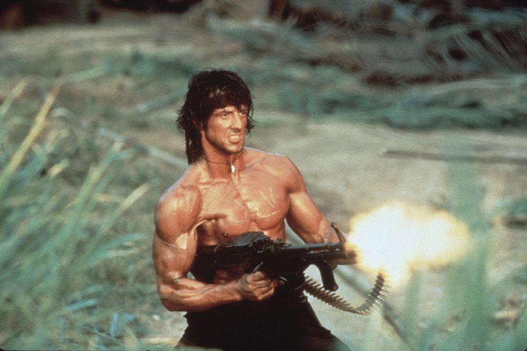 Rambo (Sylvester Stallone) hat nur noch ein Ziel: Er möchte die Gefangenen befreien und mit dem Verantwortlichen abrechnen ... - Bildquelle: 1985 STUDIOCANAL. All Rights Reserved.