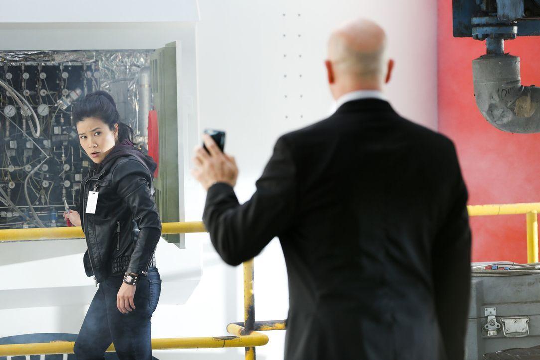 Bei ihrem neusten Auftrag treffen Happy (Jadyn Wong) und das Team auf einen alten Bekannten, mit dem das letzte Aufeinandertreffen nicht gerade gut... - Bildquelle: Michael Yarish 2015 CBS Broadcasting, Inc. All Rights Reserved.