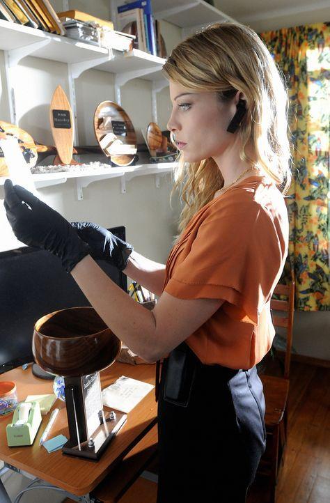 Wird dem Five-0 Team zugeteilt: die attraktive Lori Weston (Lauren German), die früher als Profiler für FBI und Heimatschutz gearbeitet hat ... - Bildquelle: TM &   CBS Studios Inc. All Rights Reserved.