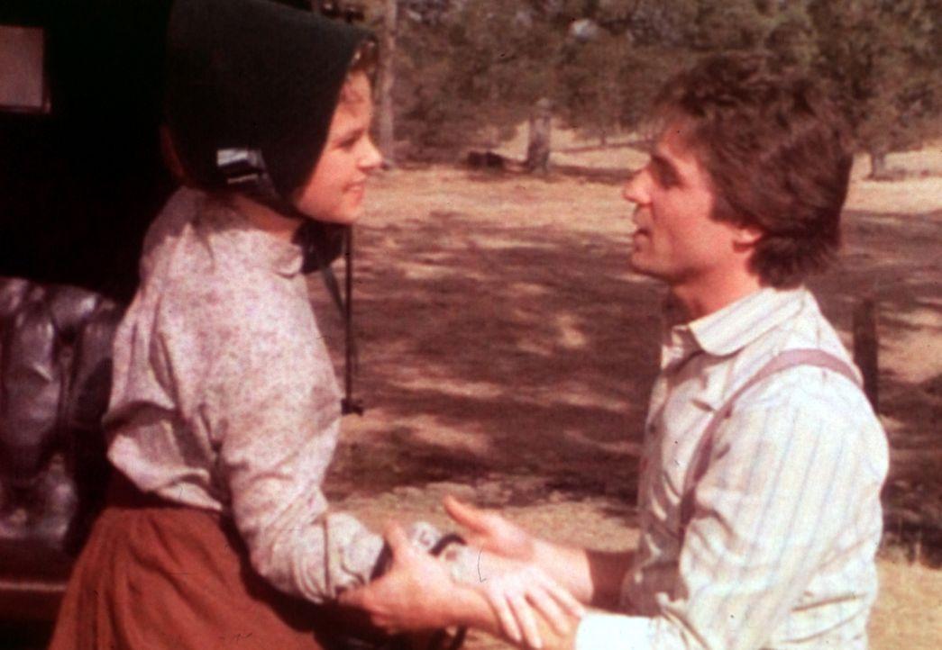 Mary (Melissa Sue Anderson, l.) ist glücklich, ihren Adam (Linwood Boomer, r.) bei sich zu haben, doch das soll nicht mehr lange so bleiben ... - Bildquelle: Worldvision