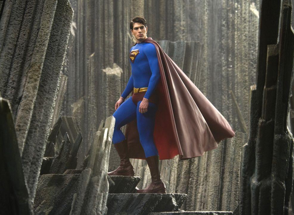 Endlich erreicht Superman (Brandon Routh) die ständig wachsende künstliche Insel. Doch seine Kräfte drohen durch das Kryptonit, dem einzigen Materia... - Bildquelle: Warner Brothers International Television Distribution Inc.