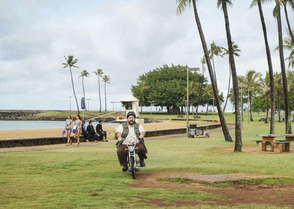 Jerry Ortega (Jorge Garcia) naht, um das mystische Grab des hawaiianischen Königs zu finden - doch er weiß nicht worauf er sich einlässt ... - Bildquelle: 2018 CBS Broadcasting, Inc. All Rights Reserved