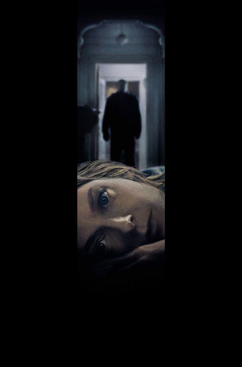 """Die große Besonderheit des noblen Hauses von Meg (Jodie Foster, vorne) ist ein Schutzraum, der sogenannte """"Panic Room"""". Schnell finden sie und ihre... - Bildquelle: 2003 Sony Pictures Television International. All Rights Reserved"""