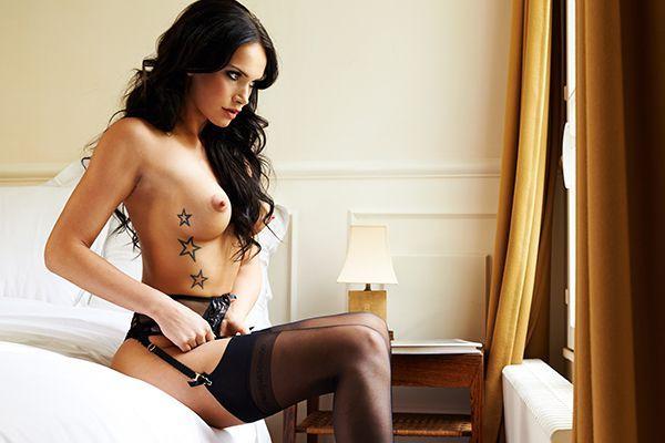 Playmate Noelle Mondoloni - Bildquelle: Stephan Glathe für Playboy Mai 2014