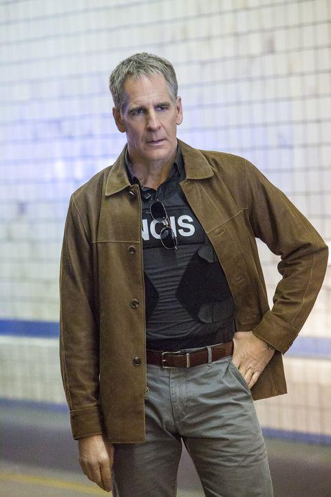 Pride (Scott Bakula) ist geschockt, als er erfährt, dass sich Sonja seit Wochen in einem Undercover-Einsatz für das DEA befindet. Sie soll einen Dro... - Bildquelle: Skip Bolen 2016 CBS Broadcasting, Inc. All Rights Reserved / Skip Bolen