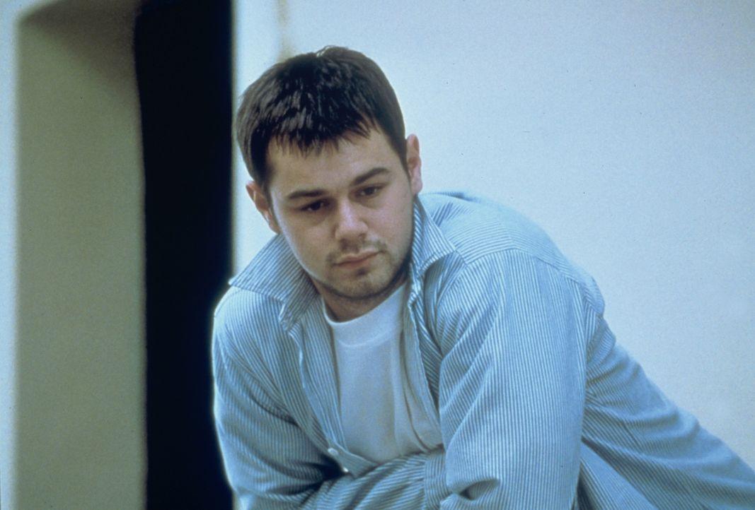 Mitglied der Fußball-Gefängnismannschaft: Billy the Limpet (Danny Dyer) - Bildquelle: Paramount Pictures
